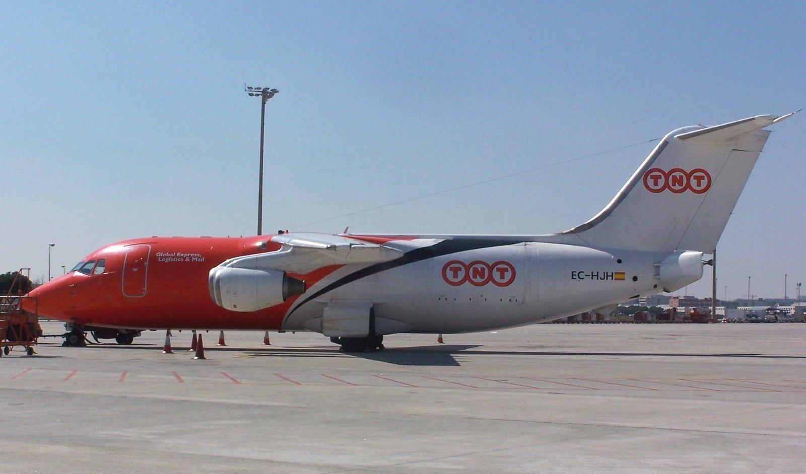 BAE 146 TNT