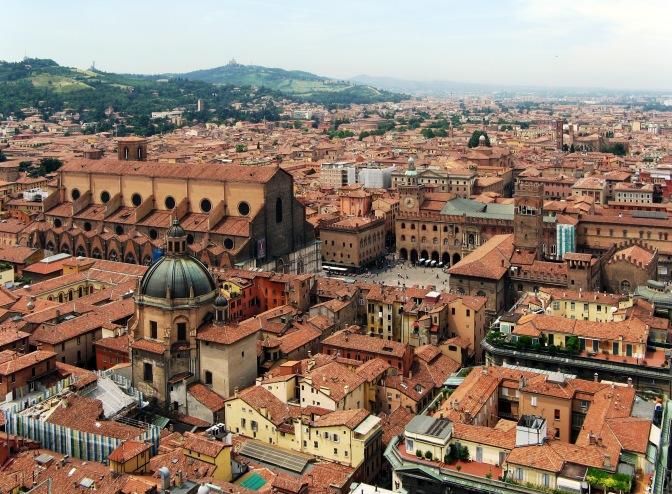 ITALIA CONTARÁ CON DOS RUTAS DE RYANAIR: BOLONIA Y MILÁN